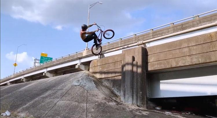 Joe Battaglia iStreet BMX video