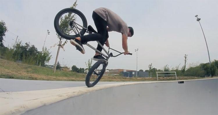 Mutiny Bikes Maxime Bonfil Concrete Waves BMX video
