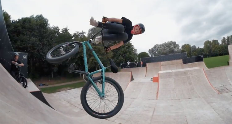Radio Bikes Pinpoint Tour B-Sides BMX video
