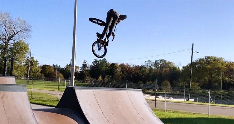 Joe Battaglia Brace Yourself BMX video