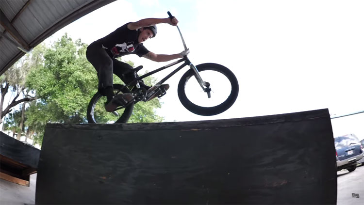 Trey Jones VS Jabe Jones Game of BIKE BMX video