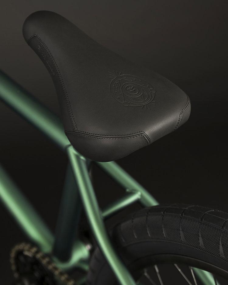 BMX bike tripod seat