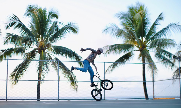 Matthias Dandois Taking Hawaii BMX video