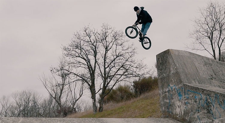 MarieJade Tom Deville No Future BMX video