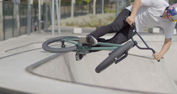 Sergio Layos 2020 Flybikes Sierra Promo BMX video