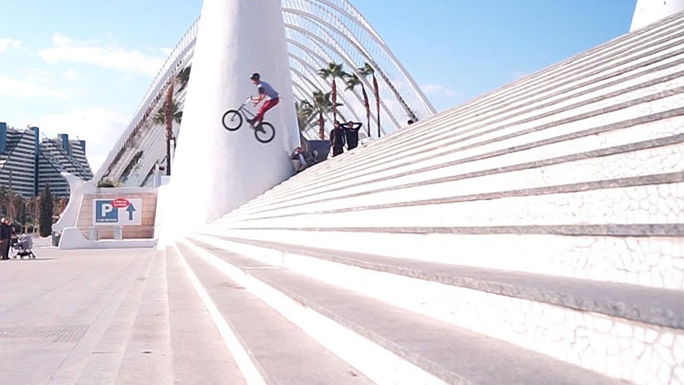 Valencia Awakes BMX video
