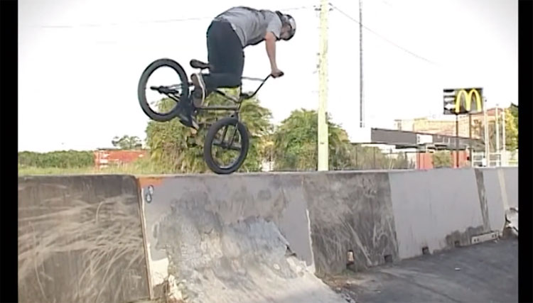 Lux BMX Aeterna Pat Johns video