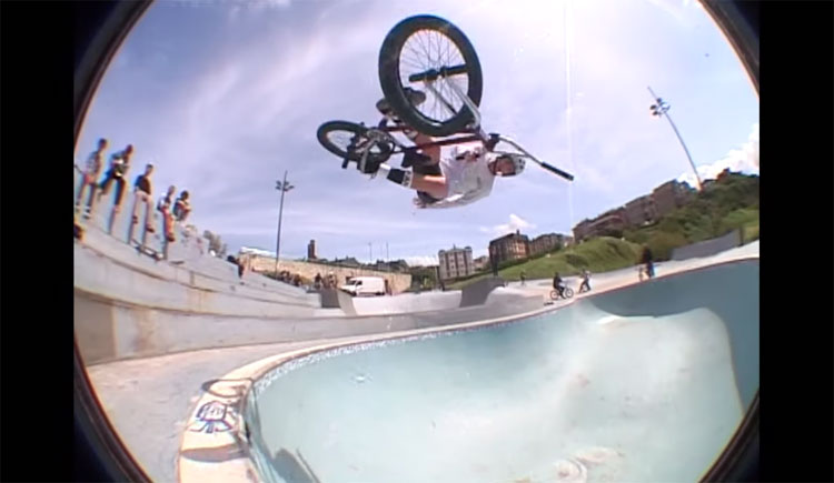 Manual BMX Store Sur Le Terrain BMX video
