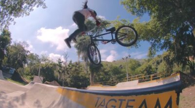 Red Bull Colombia BMX Twins Girls