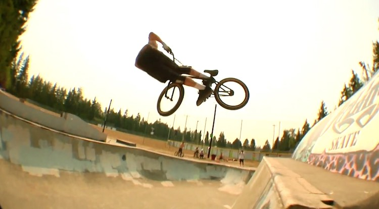 Gnarlington Skatepark Jam BMX video